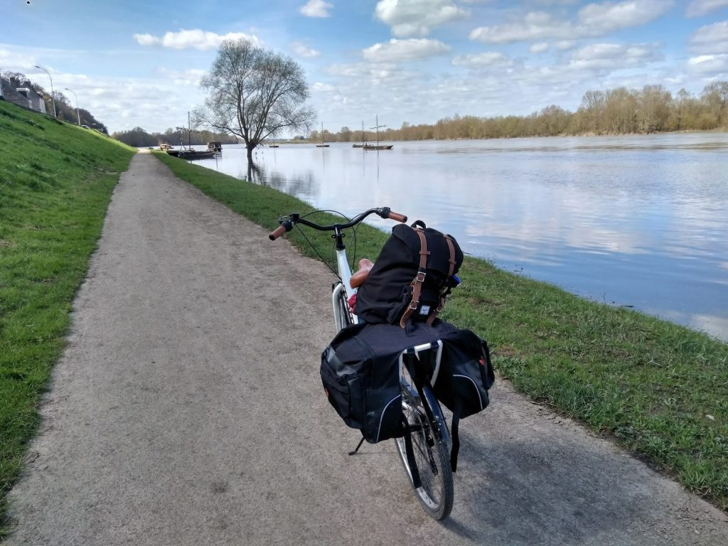 castillos del loira en bicicleta