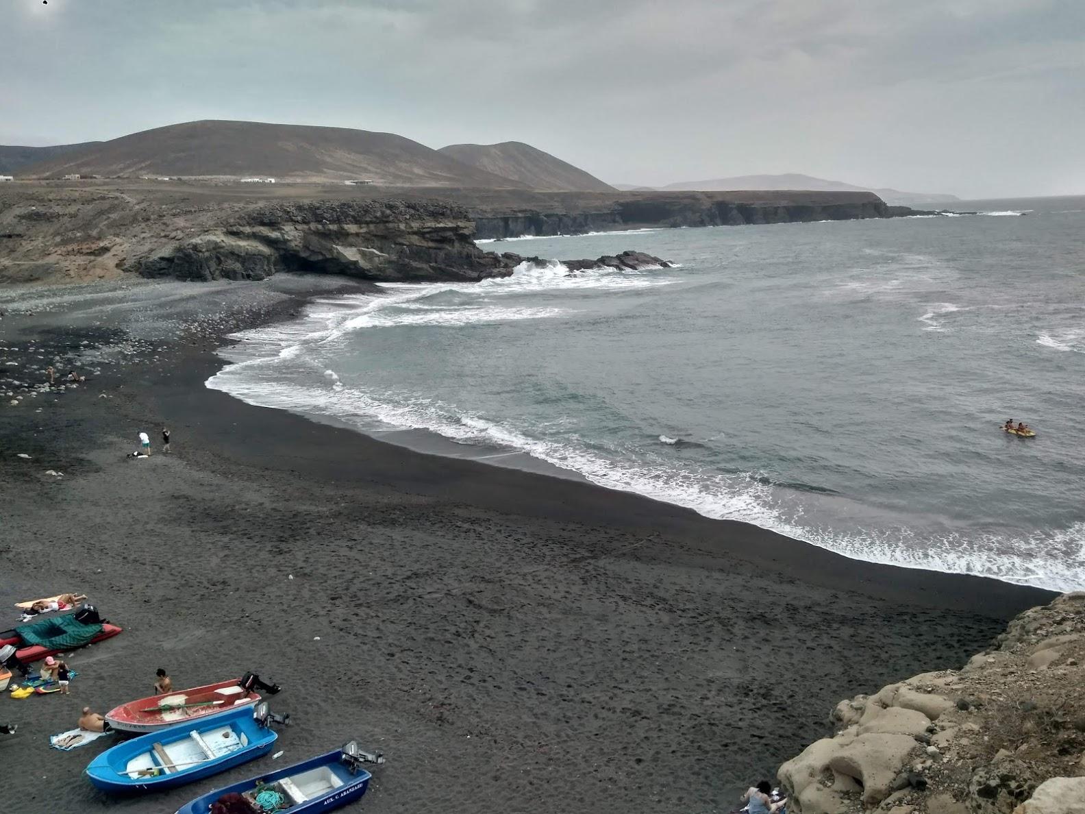 Vista panorámica de la playa de Ajuy