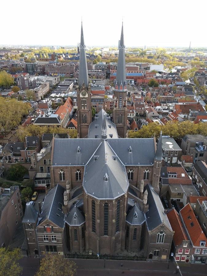 Vista panorámica de Delf desde lo alto de la Iglesia Nueva